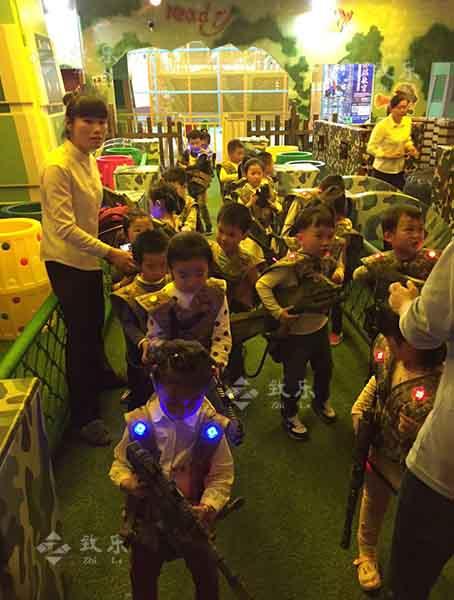 儿童室内淘气堡设备有利于孩子充分发挥活力和想象力