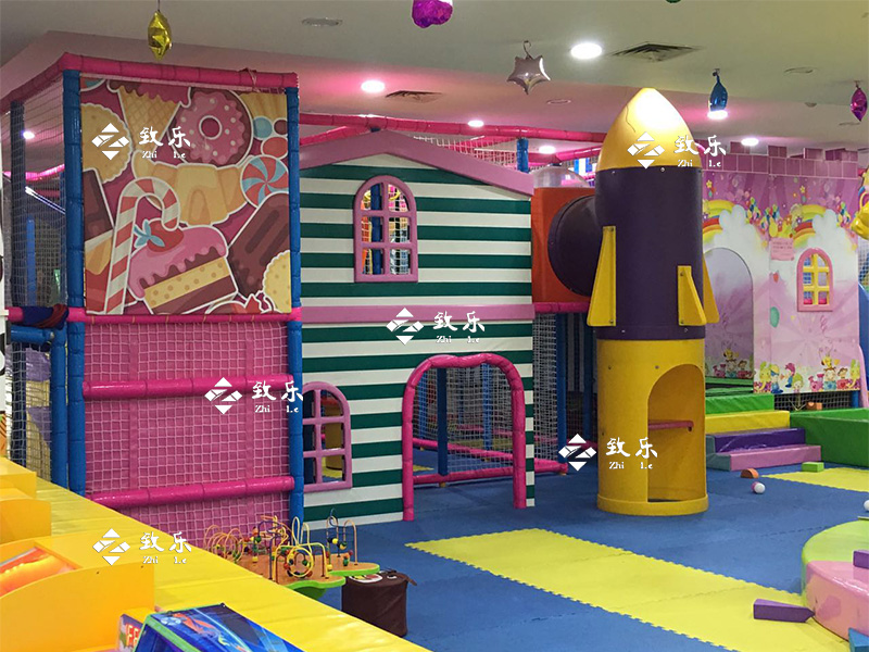 太空淘气堡主题儿童乐园